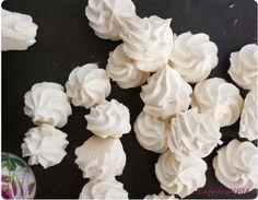 Recettes des meringues françaises : trucs et astuces pour ne plus jamais rater ses meringues et recycler ses blancs d'oeufs.