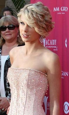 Hair, Pink, Makeup, Updo, Gold, Formal, Taylor, Highlights, Bangs, Swift