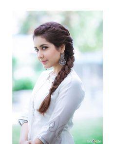 - beautiful hair styles for wedding Saree Hairstyles, Braid Hairstyles, Beauty Tips, Hair Beauty, Front Hair Styles, Indian Wedding Hairstyles, Beautiful Girl Image, Beautiful Pictures, Most Beautiful Indian Actress
