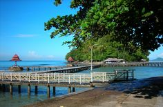 Carocok beach is situated to the west of the city Painan, located approximately 2 km from the Market Painan This beach is very famous in West Sumatra Indonesia Nor, according to some people, it is no less Carocok Beach Beach Kra Peninsula in Malaysia or Sanur Beach in Bali.