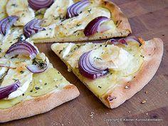 Kartoffelpizza mit Brie und Thymian