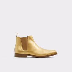 Vianello-R Rich leather shapes a boldly styled Chelsea boot, fitted with side gores for a custom slip-on fit.