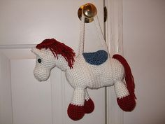 Free horse purse pattern for a little girl - totally making this for my second cousin for her third birthday in November!!!