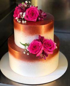 Aprenda a fazer bolos lindos - Hochzeit Deko - Bolo Tumblr, Quinceanera Cakes, Cake Games, Pumpkin Spice Cupcakes, Coconut Recipes, Cake Decorating Techniques, Occasion Cakes, Buttercream Cake, Love Cake