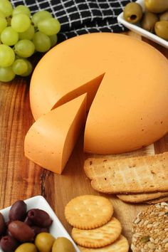 This vegan cheddar cheese has a delicious smoky red pepper flavor and is truly divine. It's perfect for a vegan cheese board and you'll absolutely impress all your guests if you bring this out at Vegan Cashew Cheese, Vegan Cheddar Cheese, Vegan Cheese Recipes, Queso Cheddar, Dairy Free Cheese, Vegan Dinner Recipes, Vegan Foods, Vegetarian Recipes, Cooking Recipes