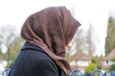 Muslim student punched in face in broad daylight for 'wearing a #hijab'   A Muslim woman wearing a hijab was brutally punched in the face in #Birmingham city centre in what is thought to be an Islamophobic attack.  http://www.doamuslims.org/?p=5560  #Islamophobia #Islam #Muslims