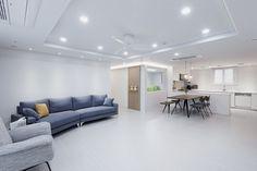 거실인테리어,주방인테리어,화이트인테리어,아파트인테리어 White Interior, Decor, Apartment, Modern Interior, House Design, Furniture, Interior Design, Home Decor, House Interior