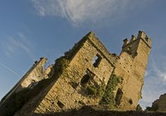 The castle of Gorzegno #church #castle #museum #piemonte #italy  #provinciadicuneo