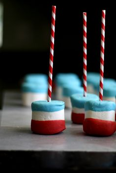 4th of July Marshmallow Pops from @Wendy Felts Hondroulis / Wenderly