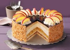 Holunder-Apfel-Torte mit Schmand