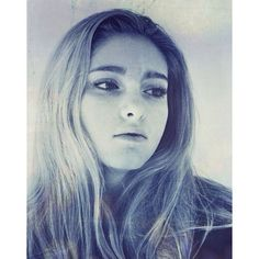 Vanity Fair's Q&A with Willow Shields (Prim) ❤ liked on Polyvore featuring celebrities and people
