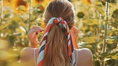 Ten hairstyles for long hair that succeed on (by the time it is VERY hot in summer) Bandana Hairstyles, Cool Hairstyles, Half Ponytail, Two Braids, Summer Events, Styling Tools, Hair Hacks, Hair Type, Hair Pins