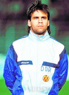 Ulf Kirsten bei einem Länderspiel 1990 für die DDR.