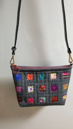 Patchwork Bags, Fabric Bags, Quilt Patterns, Bag Patterns, Couture, Pouch, Shoulder Bag, Quilts, Purses