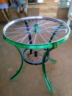 Mesa de bike is part of Diy furniture - Diy Furniture Videos, Diy Furniture Table, Car Part Furniture, Diy Furniture Plans, Farmhouse Furniture, Repurposed Furniture, Painted Furniture, Farmhouse Decor, Furniture Design