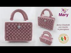 Borsa Elisabeth con inserto in plexiglass Crochet Handbags, Crochet Purses, Crochet Bags, Handbag Tutorial, Plexiglass, Crochet Cardigan Pattern, Macrame Bag, Handmade Bags, Straw Bag