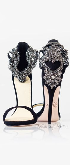 found this beautiful shoes for - - - - - - - - - - - - - - - - - - Regilla ⚜ Aminah Abdul Jillil Fab Shoes, Dream Shoes, Pretty Shoes, Crazy Shoes, Beautiful Shoes, Cute Shoes, Me Too Shoes, Casual Shoes, Gorgeous Heels