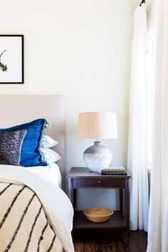 Los Angeles-based designer, Katie Hodges has nailed the Cali-cool look. Read on to find out her modern bohemian décor tips so you can get the look at home. Modern Bohemian Decor, Bohemian Décor, Modern Decor, Bedroom Decor On A Budget, Bedroom Inspo, Bedroom Ideas, Sleep Supplements, Cool House Designs, House