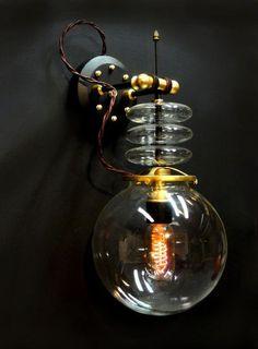Steampunk-Inspired Lamps : designer Art Donovan https://www.steampunkartifacts.com