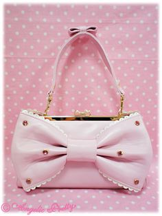 Lolita purse... pastel goth, anyone?