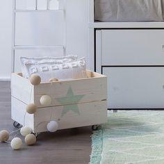 Caja de madera para almacenar juguetes