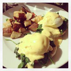 Instagram: Eggs Benedict a la Florentine! #eggs #benedict #spinach #breakfast #brunch #sundayfunday