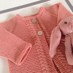 Le blog d'Aurélie La Poule : tricots, mode et expériences culinaires. Cardigan Bebe, How To Purl Knit, Baby Knitting Patterns, Blog, Sweaters, Clothes, Board, Fashion, Babywearing