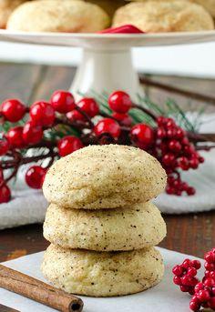 Easy Cream Cheese Cinnamon Christmas Cookies - Recipe from Yummiest Food Cookbook Köstliche Desserts, Delicious Desserts, Yummy Food, Tea Cookies, Sugar Cookies Recipe, Cream Cheese Cookies, Cookies And Cream, Christmas Desserts, Christmas Cookies