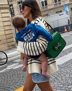 """Leia Sfez en Instagram: """"Nobody puts baby in a corner"""" Getting Old, Saddle Bags, Satchel, Street Style, Photo And Video, Baby, How To Wear, Instagram, Corner"""
