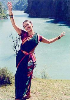VK is the largest European social network with more than 100 million active users. Marathi Saree, Marathi Bride, Madhuri Dixit Hot, Kajal Agarwal Saree, Nauvari Saree, Desi Wear, Vintage Bollywood, Tribal Women, Indian Beauty Saree