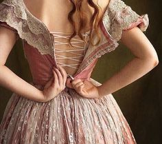 Aurelia Creative – Costumes, Larp & DIY Beautiful dress in delicate pink. The lacing is also nice as a detail of the undergarment. Princess Aesthetic, Pink Aesthetic, Aesthetic Clothes, Victorian Women, Victorian Fashion, Mode Vintage, Lady, Pretty Dresses, Fairy Tales