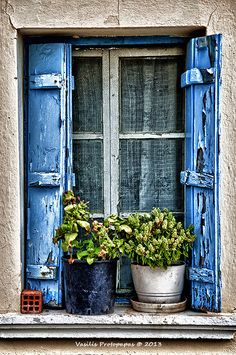 Greek Village House Window Like the blue shutters Village Houses, Through The Window, Window View, Old Doors, Window Boxes, Doorway, Windows And Doors, Belle Photo, Beautiful Places