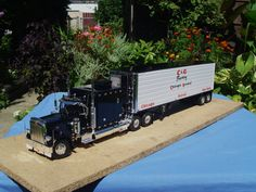 A awesome build for Greg Williams tribute to C & G trucking in Chicago.