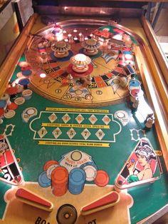 Monte Carlo Vintage Games, Vintage Toys, Retro Vintage, Pinball, Penny Arcade, Wizards, Monte Carlo, Poker Table, Game Room