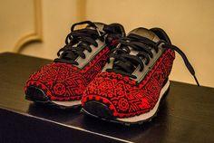 Sneakers de la colaboraci�n de Ricardo Seco, New Balance y el arte Huichol.