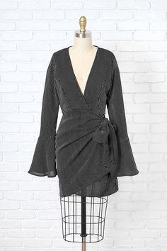 Black and White Striped Wrap Dress | NRFB #stripedwrapdress #bellsleevedress #blackandwhitedress