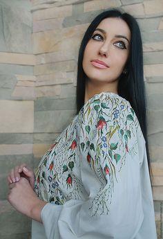 """Купить Светлая нарядная блуза с вышивкой """"Мраморная сказка"""" - белый, однотонный, вышитая блузка"""