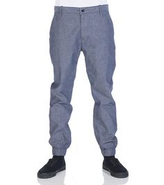LEVI'S Chino jogger pants Zip and button closure Cotton for comfort 2 front pockets, 2 back pockets Lightweight fabric for ultimate comfort