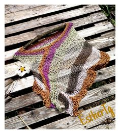 Summer boho poncho vegan poncho for women hippie chic knit Hippy Chic, Boho Chic, 40 Year Old Womens Fashion, Hippie Elegante, Ladies Poncho, Vegan Clothing, Lang Yarns, Knitted Poncho, Knitting Projects