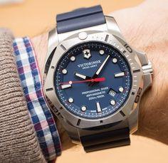 c152cbe77f9 Victorinox Swiss Army INOX Professional Diver Watch Hands-On