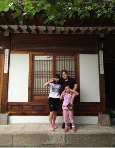 Hanok stay with family