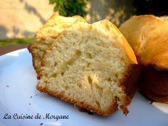 Gateau moelleux a la compote Cake Sans Oeuf, Cake Aux Fruits, Egg Free Recipes, Dessert Recipes, Desserts, Coffee Cake, Cornbread, Free Food, Banana Bread