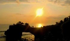 Full Day Bedugul Tanah Lot Sunset Tour Itinerary is full day tour package to with itinerary visit Bedugul and some sightseeing on the way with last destination enjoy stunning Sunset in Tanah Lot,