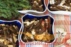 Салат с фасолью, сыром и сухариками https://www.great-cook.ru/1064-salat-s-fasolyu-syrom-i-suharikami.html  Салат с фасолью, сыром и сухариками — очень простое и вкусное в приготовлении блюдо! К тому же, невероятно быстрое! Ведь всё, что нужно будет сделать — лишь натереть сыр и перемешать все ингредиенты.   Рецепт предусматривает красную консервированную фасоль, но можно поэкспериментировать и с белой. Сухарики тоже можно выбрать любые — в данном случае использованы ржаные, а можно взять и…
