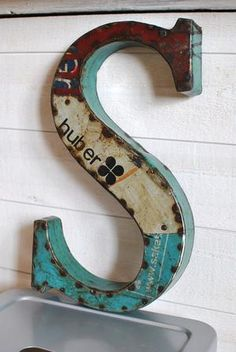 Could be awesome if these were made with old garden/farming related metal signs?!