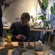 exo fluff imagines - dating park chanyeol 😁 Kpop Exo, Exo Chanyeol, Kyungsoo, Baekyeol, Chanbaek, Chansoo, Wattpad, National Boyfriend Day, Jae Lee