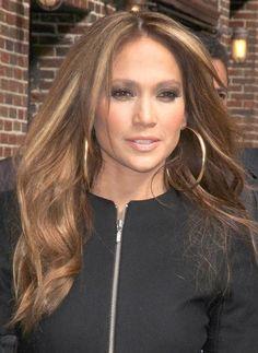 Beautiful Jennifer Lopez caramel hair color with honey blonde highlights