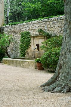 Water feature - wall fountain - Provence garden