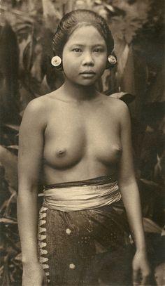 In nude pics bali girls Call
