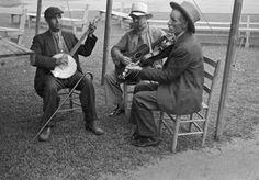 Ben Shahn Photo: Jeeter Gentry Elmer Thompson and Fiddlin' Bill Hensley Asheville North Carolina 1937